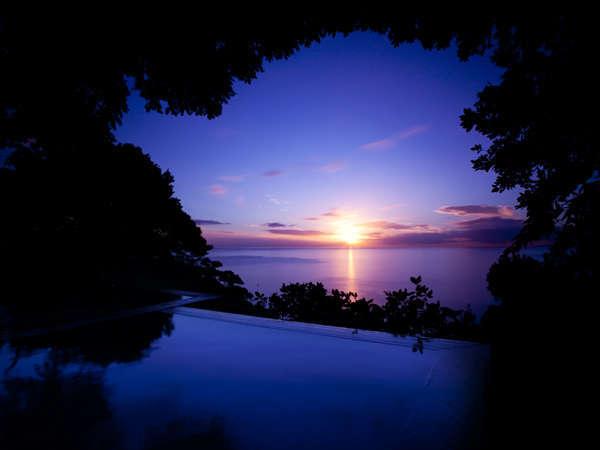 空と海と一体になる露天風呂