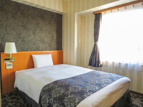 ベッドはダブルサイズ!広々とお使いください。【シングルDX】
