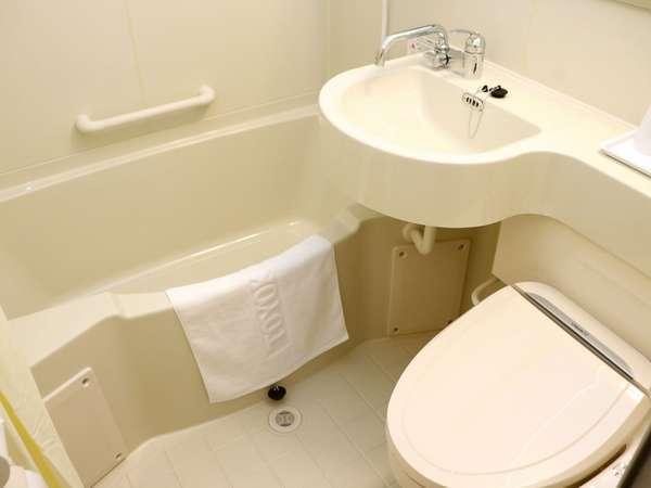 ユニットバスルーム トイレはウォッシュレット付き。