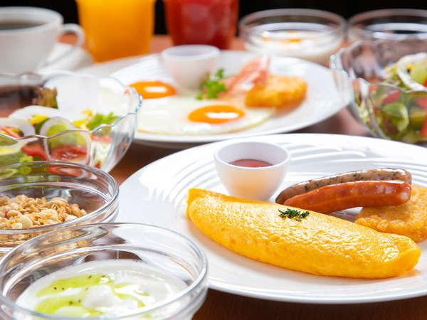 洋朝食◇一番人気の卵料理はシェフ特製のふわふわオムレツ。