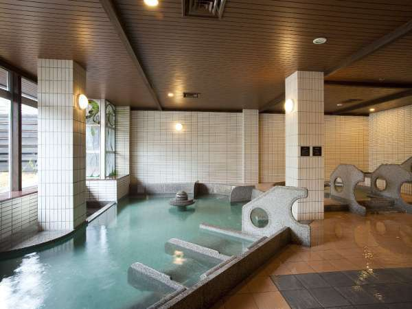 ◆温泉大浴場/寝湯やジャクジー、立湯などで温泉を満喫できます。
