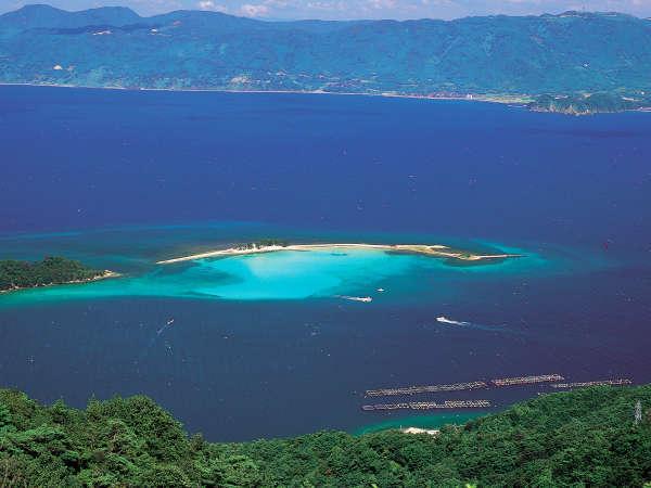 美しすぎる北陸のハワイ!夏のみ現れる無人島「水島]