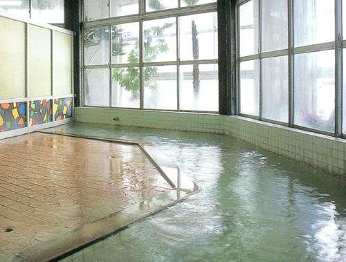全国的にも珍しい、ぬるっとした温泉ですが、湯上りは不思議にさっぱり。是非ご体験下さい。