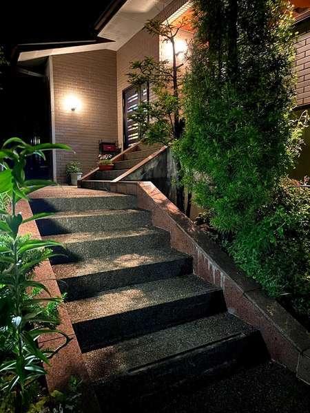 玄関への階段