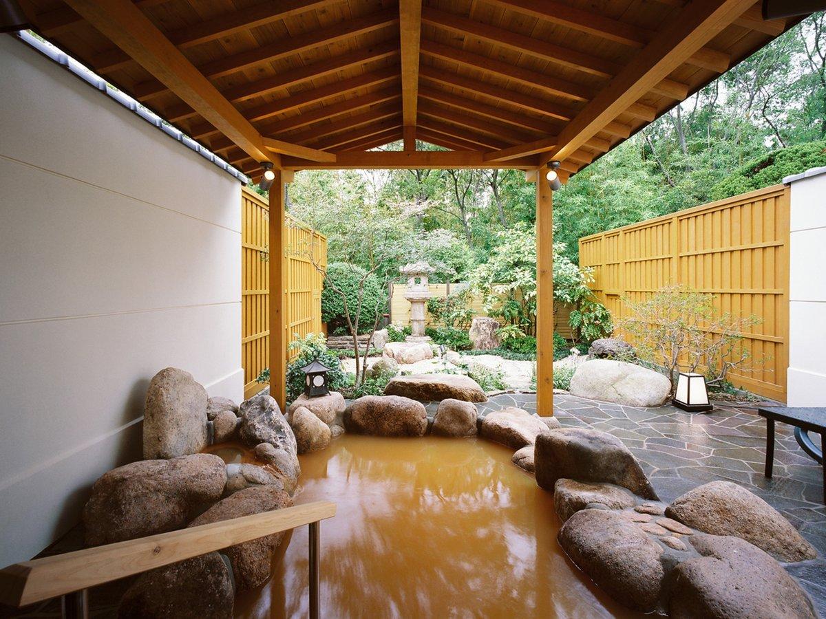 庭園付きの貸切露天風呂