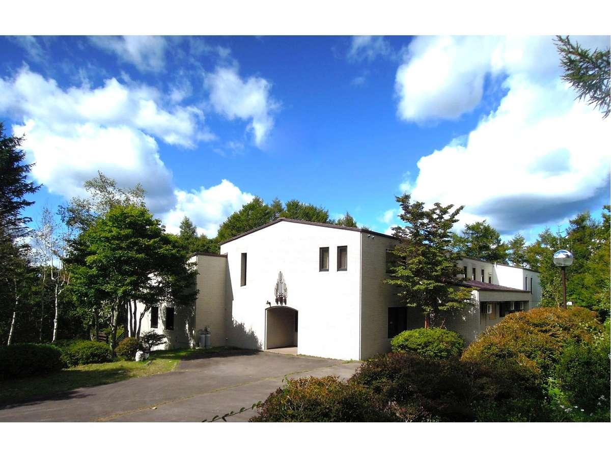 山中湖ハウス 2000坪の森ごと貸切 富士山の見える貸別荘