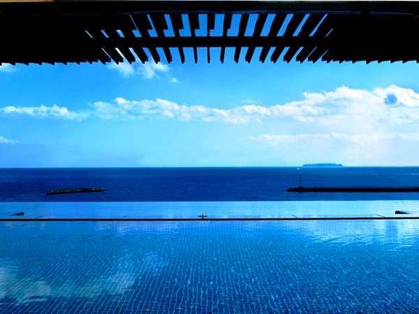 海を眺める絶景展望風呂