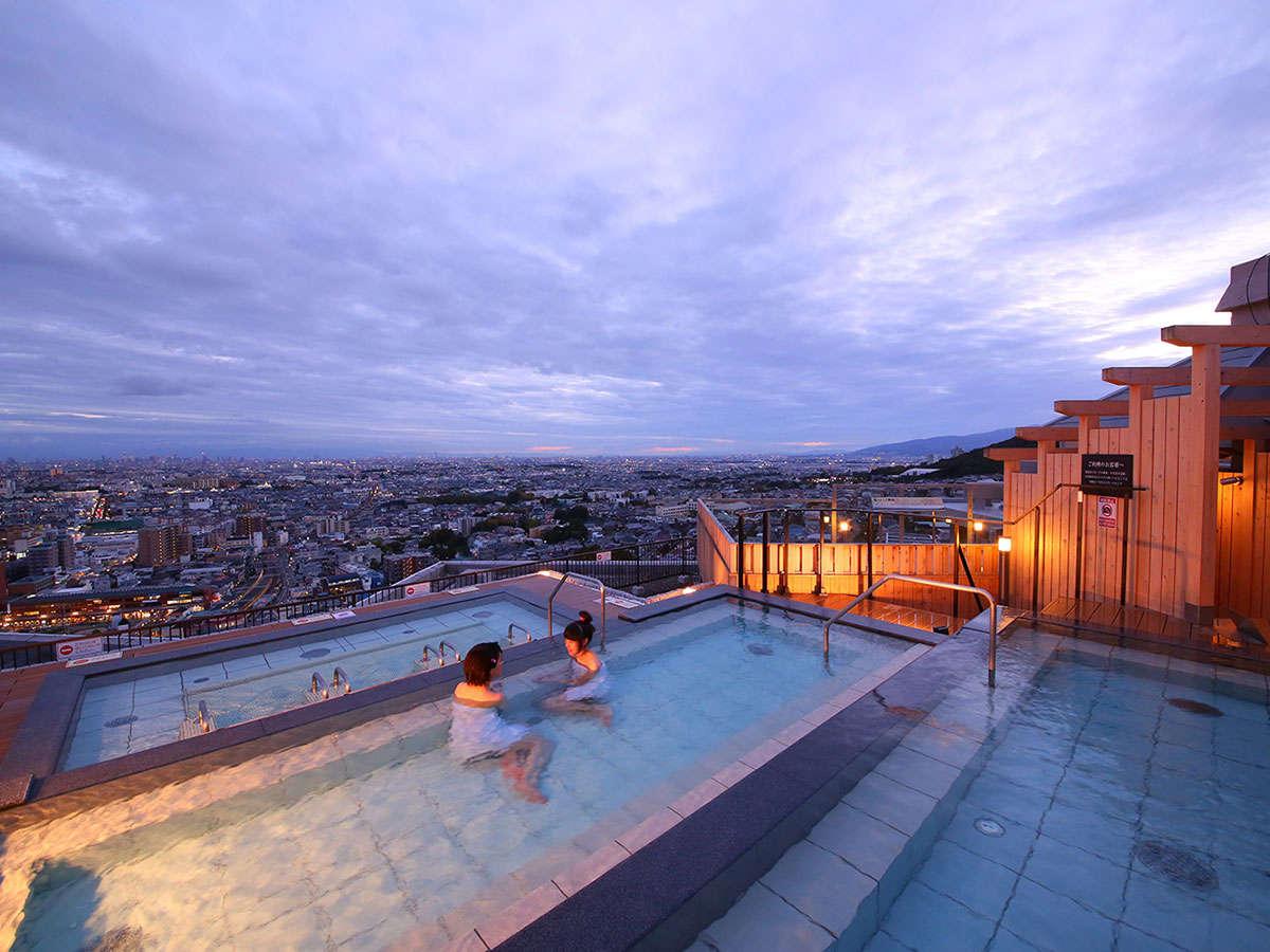 宿泊者専用の天空の棚湯