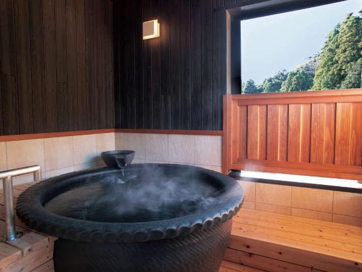 別邸「つきの里」客室温泉露天風呂