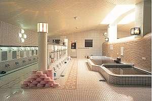 温泉大浴場 ソフトな肌ざわり、体のシンから温まります