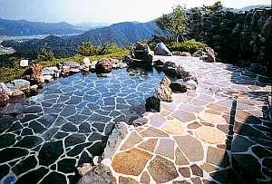 天空の露天風呂 北郷の高台から山並みを見渡せる良質温泉の露天風呂