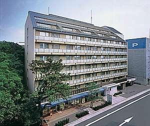 静岡駅まで徒歩5分。繁華街までは0分の好立地