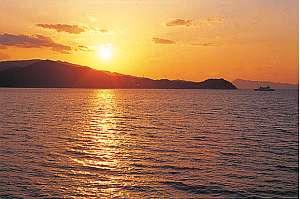 小豆島の格安ペンション 海の幸・夕陽の宿 ペンションサンセットコースト