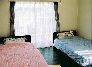 洋室は2ベッド+1ソファーベッド付