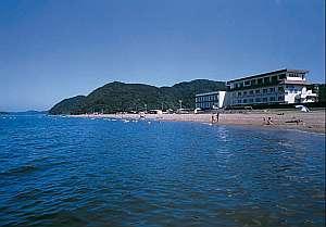 伊勢二見温泉 蘇民の湯 ホテル清海 「庭」に「海」の感覚!!水着のまま砂浜に出られる。