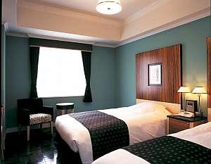 ホテルモントレ ラ・スール福岡:モダンな内装の客室(スタンダードツイン)