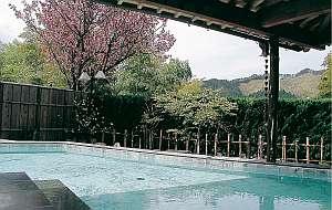 岡山の紅葉スポット近くの温泉宿・紅葉露天のある宿県 湯宿 西西(ゆやど さいさい)
