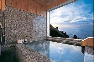 全客室に備えた客室風呂は時間を気にせず入浴できる