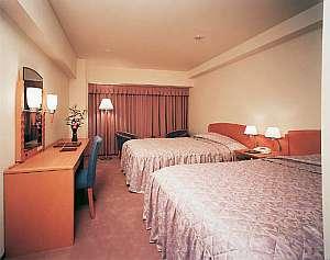アランヴェールホテル京都:木のぬくもりが感じられるツインルーム
