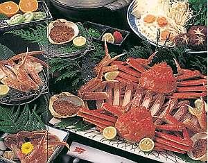 日本海の冬の味覚松葉ガニ、旬の旨みを満喫
