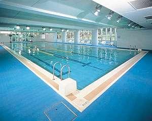【本館1階】室内温水プール(25m深さ110cm)水着レンタル(有料)ございます