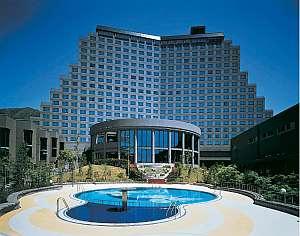 猪苗代湖を一望するホテル