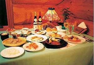 季節に合わせたボリュームもあるフルコース料理