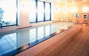 宿泊者専用浴場。営業時間15時00分-23時30分。タオルは別途ご持参ください。部屋着不可・スリッパ可。
