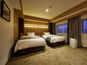 スランバーランド社製ベッドを使用。エキストラベッド追加で最大4名様までご利用いただけます。