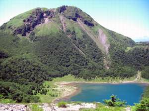 白根登山で見られる五色沼