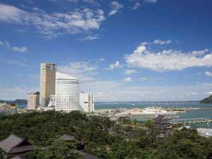 JRホテルクレメント高松は瀬戸内海に面した本格シティホテル。