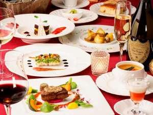 各レストランはご宴会・会議・接待など様々なシーンにご利用頂ける個室もご用意しております