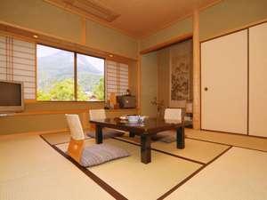 由布岳を望む和室8畳客室