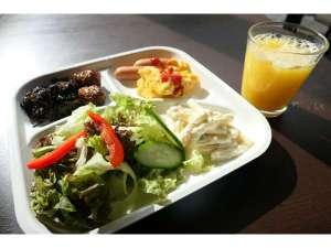 和食から洋食、飲み物も豊富!ホテル自慢の朝食バイキング食べ放題をご堪能下さい♪