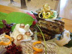 紀伊水道であがる魚介類、サザエ、タコ、タチウオのあぶり・・・鮮度抜群!