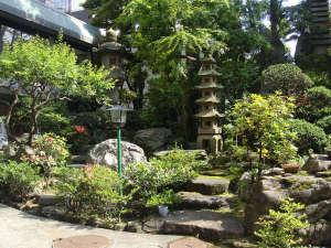 一年中通して楽しめる庭園をお楽しみください