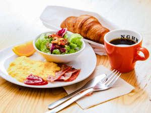 朝食(クロワッサン)