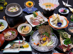旬の川魚、牡丹鍋、祖谷そば、山菜など山らしいメニューが満載!