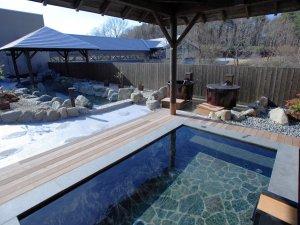 【彩光の湯】羽鳥湖温泉の源泉から生まれる天然温泉。アルカリ泉質の効果で、お肌はしっとりとつるつるに。