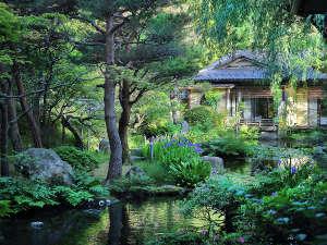 庭園と環翠荘