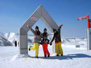 GWまで営業★まだまだ滑れる春スキー!