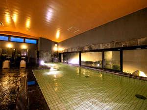 (男性大浴場)近隣ホテル唯一の館内大浴場!人工温泉に体を浸す気持ちよさを館内で味わえるのは当館だけ!