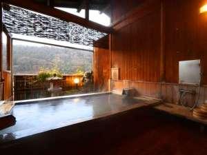 湯宿温泉唯一の無料貸切露天風呂です。ゆっくりと疲れをお癒しください。