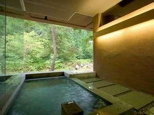 【大浴場】「時と光の湯」(露天風呂付)川のせせらぎを聞きながらほっとひと息…