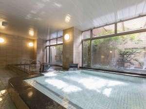 大浴場「らくだの湯」:営業時間14:00~23:00/6:00~11:00まで。