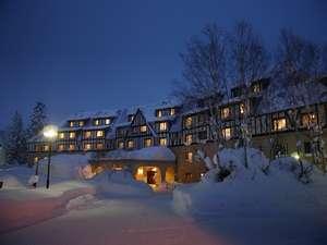 ■冬■のホテル外観「夜」