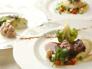 【ノンノ】洋食フルコースのメインディッシュは「A4ランクの美瑛和牛のポワレ」をご用意。