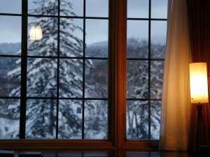 ■ロビー■のホテル外観「朝」