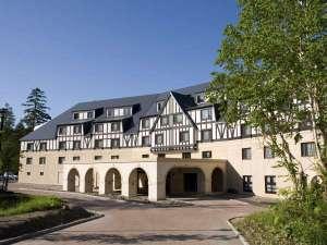 ■異国情緒あふれる山荘ホテルへご案内■