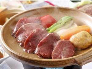 お料理一例/台物~しほろ牛ヒレ陶板焼